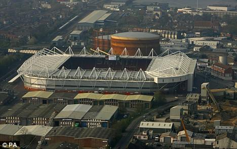 Southampton Make History Becoming the First Ground to Offer LED Floodlights
